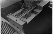 Maquete de madeira realizada a partir do projeto de Lina Bardi para o Oficina e seu entorno