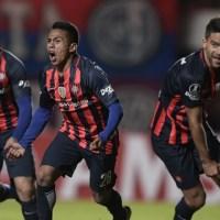 San Lorenzo sofre, marca no fim, bate Católica e se mantém vivo na Libertadores