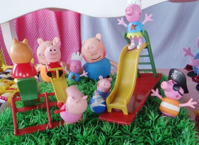 Miss peppa pig (2)