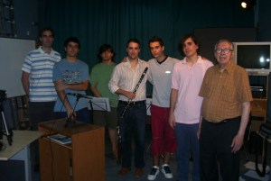 Grabación de Las Cinco Llagas junto los músicos que participaron en dicha edición.