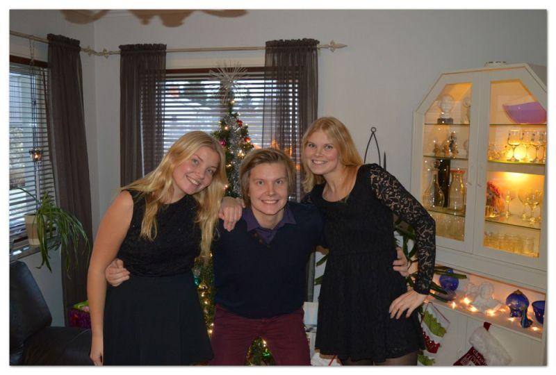 Jag och två av mina tre syskon en julafton