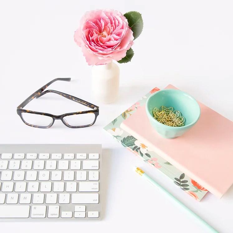 Når skal du dele innleggene dine? Når får du mest trafikk? Slik finner du det beste tidspunktet å publisere innleggene dine på bloggen og i sosiale medier!