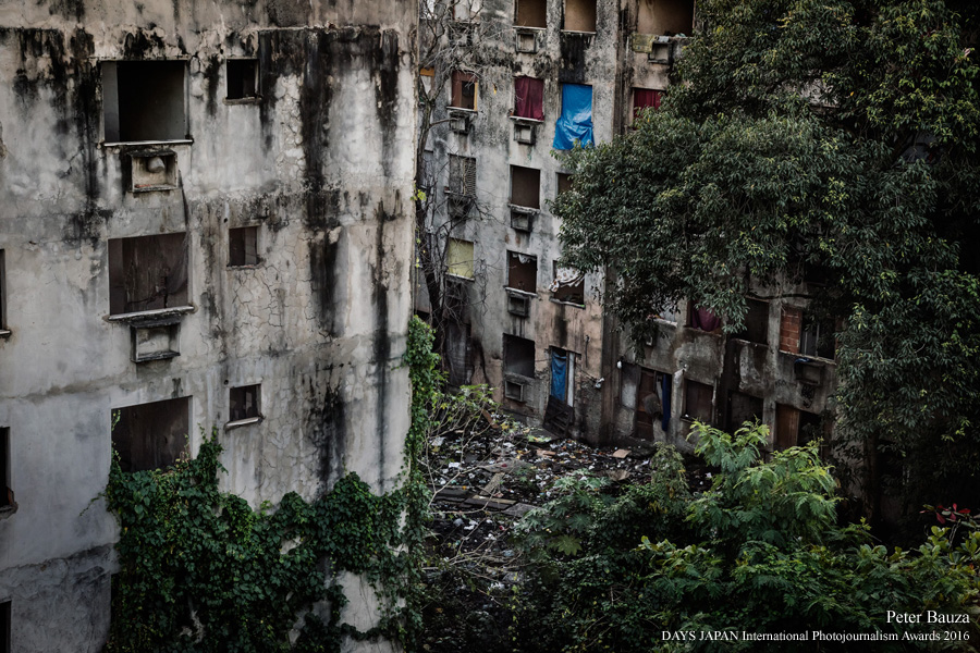 This complex of occupied buildings ironically also called Copacabana Palace is hosting more than 400 people. Most of the squatters came with the expectation to be awarding by the governmental housing-program