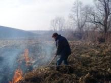 Тушение поджога травы