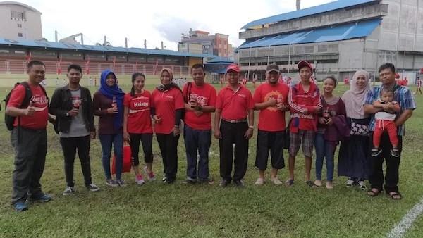 Foto Bersama Komunitas Blogger Pontianak dan Pihak Penyelenggara Coke Kicks 2016 Pontianak