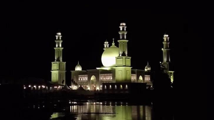 Masjid Terapung Oemar Al-Khair Kabupaten Kayong Utara