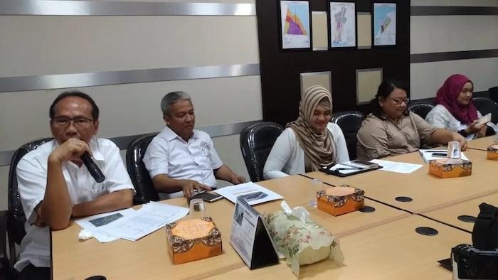 FamTrip Menduniakan Madura - Perwakilan BPWS Memberikan Presentasi Kegiatan
