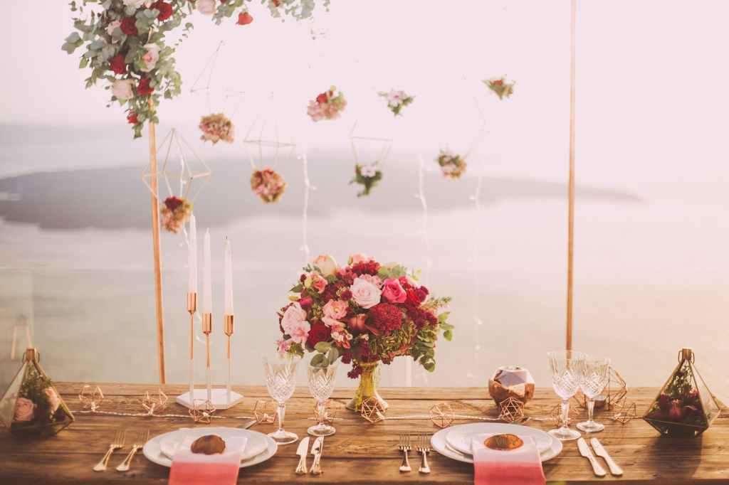 Ikebana Dining table flower arrangement ideas