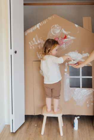 Right paint color for walls to keep house cool in summer naturally
