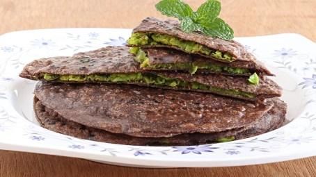 Ragi/Nachni Paratha Recipe in Marathi & English Easy