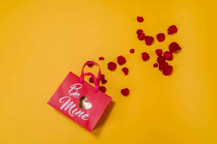 Romantic ideas to celebrate Valentine's Day – 17 unique Ways