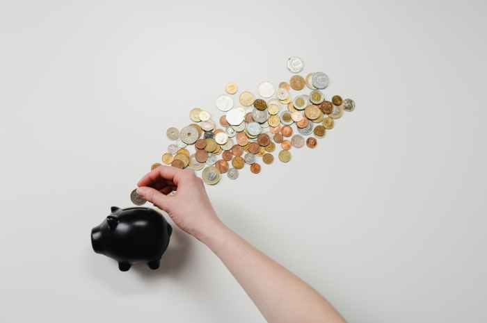 6 tips on How to save yourself from financial crisis?