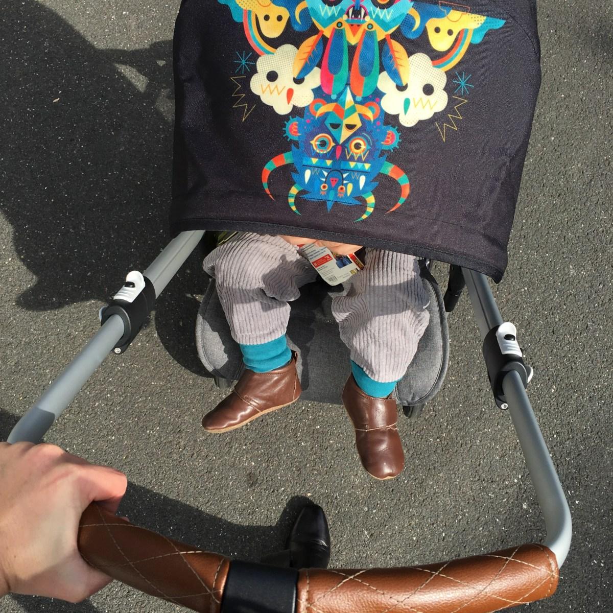 Umsetzbare Buggys – rückwärts Buggys: mit Blick zu den Eltern fahren