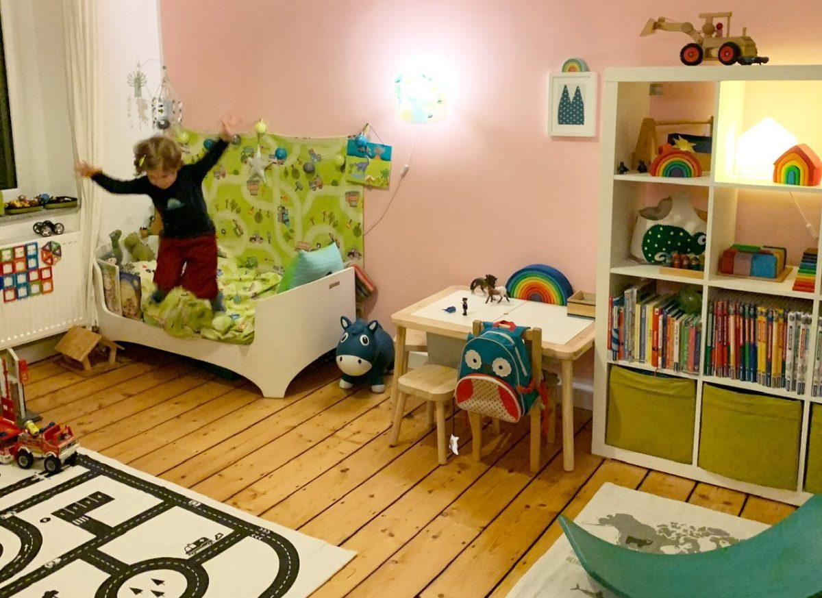 Ein neues Kinderzimmer – ein rosa Jungentraum für den Kleinen