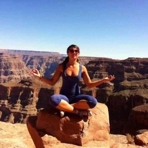 """<img src=""""GrandCanyon.jpg"""" alt=""""Me Grand Canyon"""">"""