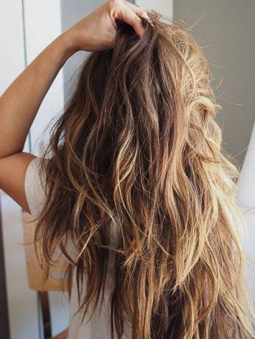 """8 Haarpflegemittel, die das Haar an der Luft trocknen lassen. """"Width ="""" 500 """"height ="""" 665 """"data-recalc-dims ="""" 1"""