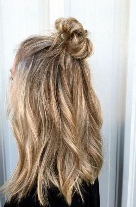5 Easy Hairstyles For People Who Are Terrible With Hair