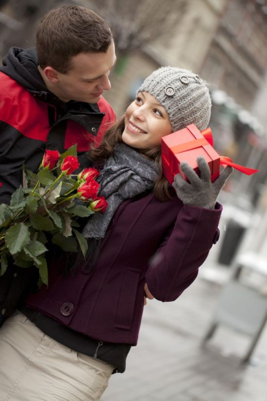 Here's Why Couples Don't Actually Care About Valentine's Day
