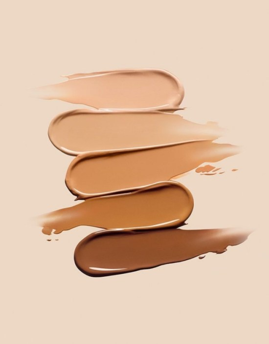 10 Tips And Tricks On How To Apply Flawless Foundation