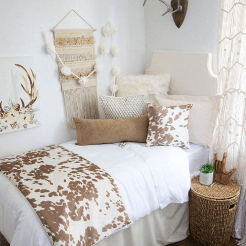 10 DIY Dorm Decorations That Will Make Your Room Stand Out