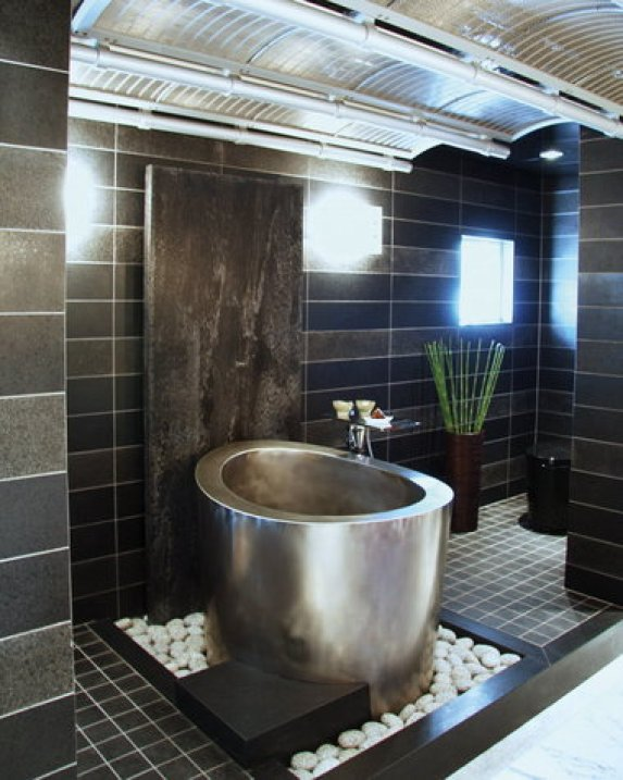 21 Japanese Soaking Tubs That Will Zen Up Your Space