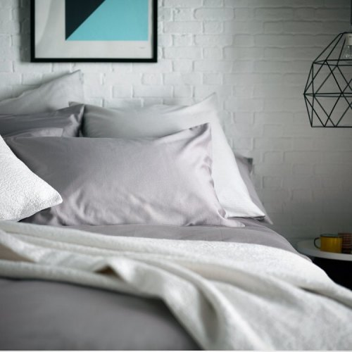 A Guide To Buying Bed Sheets For A Hotel-Worthy Sleep