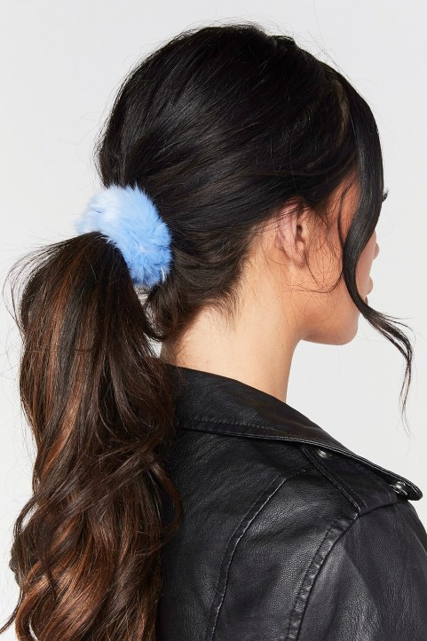 It's always fun getting creative with hair. If there's one simple thing you can do to change it up, accessorizing is the way.