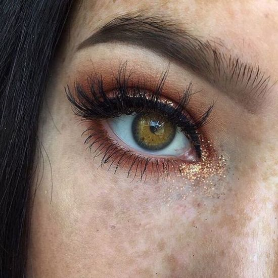 5 Every Day Glitter Makeup Looks