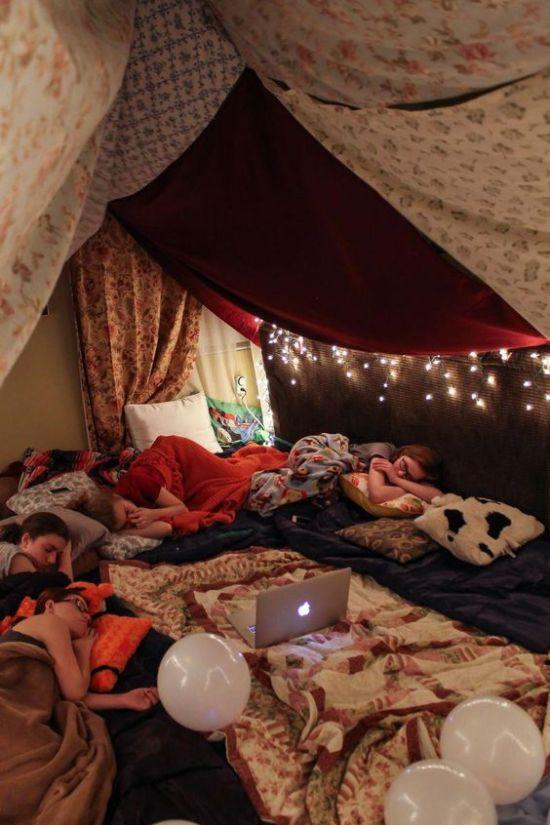 The Ultimate Blueprints For A Comfy Blanket Fort