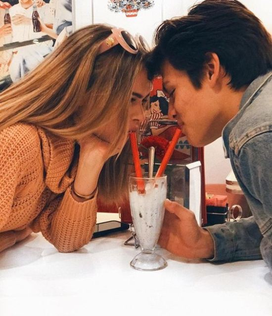 """11 """"Old-Fashioned"""" Dates You Should Still Be Doing"""