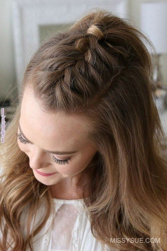 5 Easy Hairstyles To Try When You're Running Late For Class