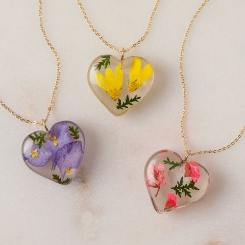 *10 Items Of Personalized Jewelry You Absolutely Need