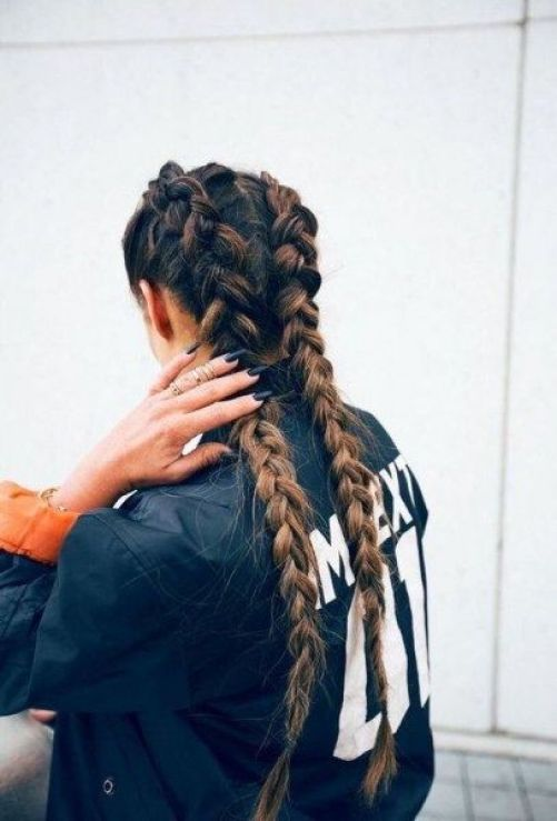 20 Trendy Coachella Hairstyles That You'll See At This Year's Festival