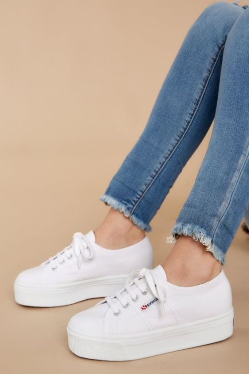 Basic Sneakers That Will Match With Any Outfit