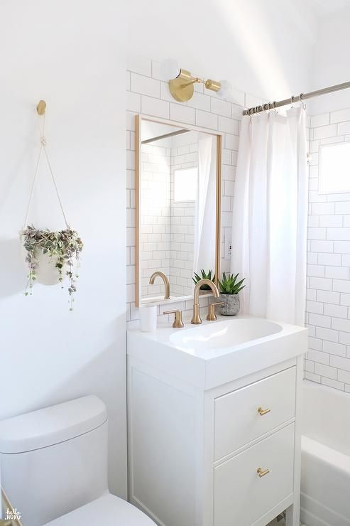 11 Ways To Make Your Tiny Bathroom Seem Bigger