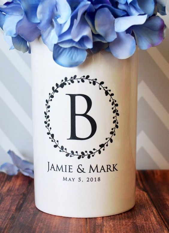 *10 Wedding Gifts That All Couples Will Love