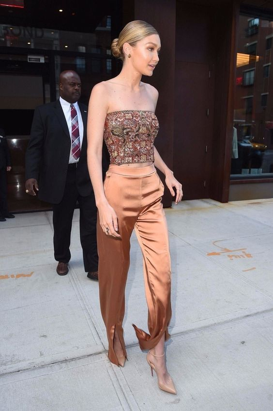 10 Gigi Hadid Outfits That You Need To Steal