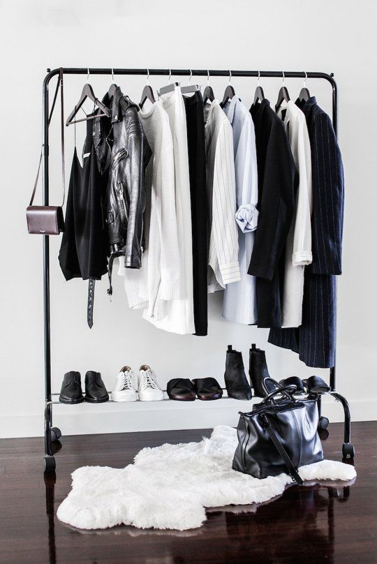 How To Put Together A Minimalist Wardrobe