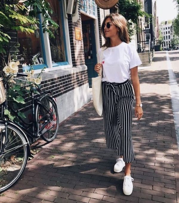 *7 Travel-Friendly Outfits That Are Perfect For Exploring