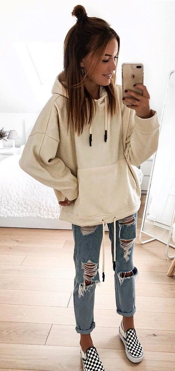 10 Cute Back To School Outfits That Are Perfect For The Fall