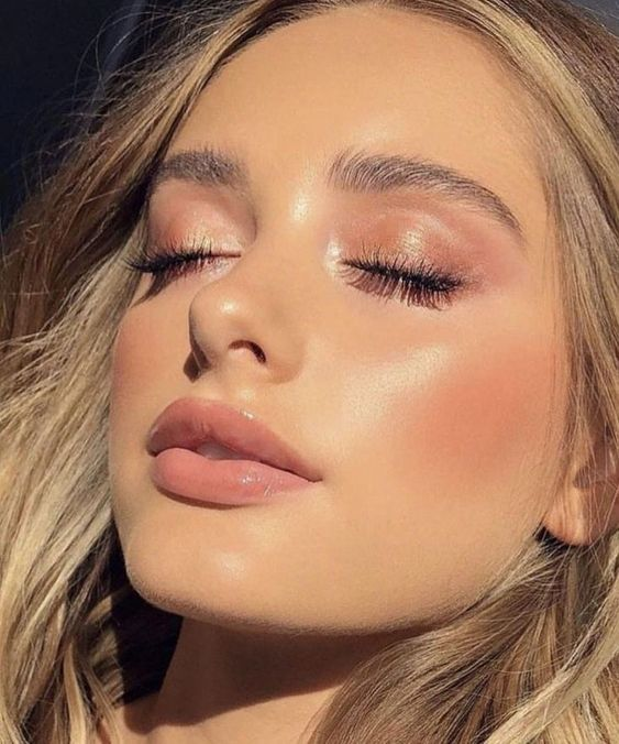 How To Visibly Plump Your Lips Without Fillers