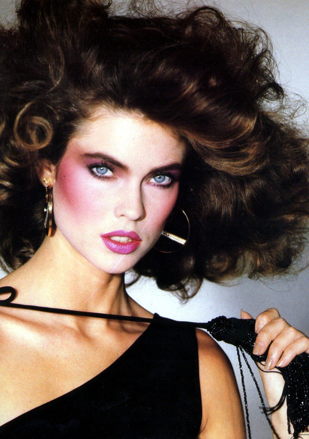 12 Craziest Vintage Beauty Trends That Will Make You Do A Double Take