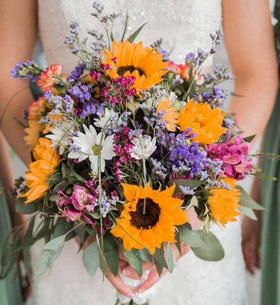10 Adorable Wedding Bouquets You'll Fall In Love With
