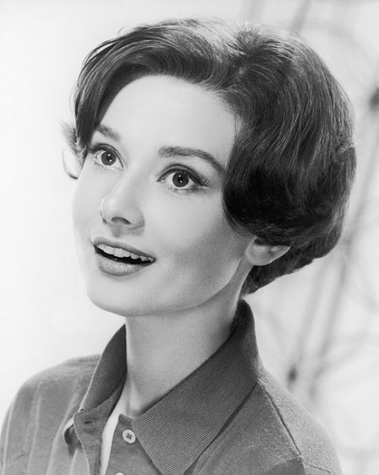 From Twiggy to Audrey Hepburn, Get Inspired With The Retro Liner