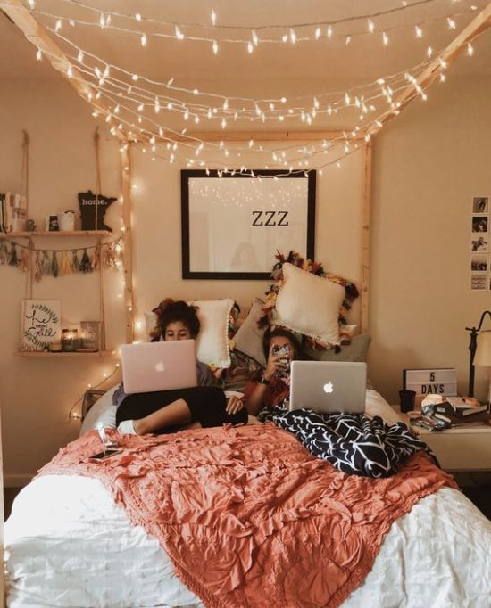 10 Ways To Style Your Dorm Room