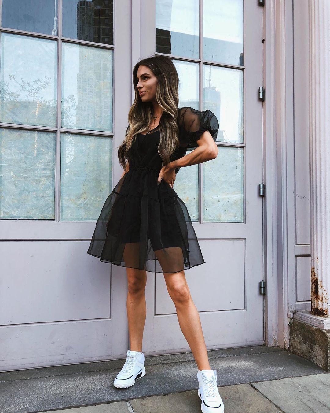 ladies outfits with sneakers