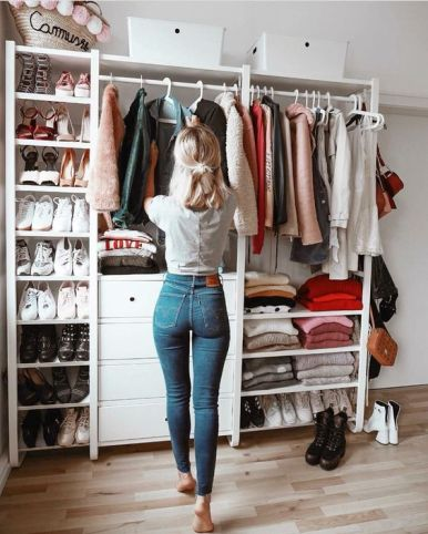 I Didn't Buy Clothes For A Year And This Is What Happened