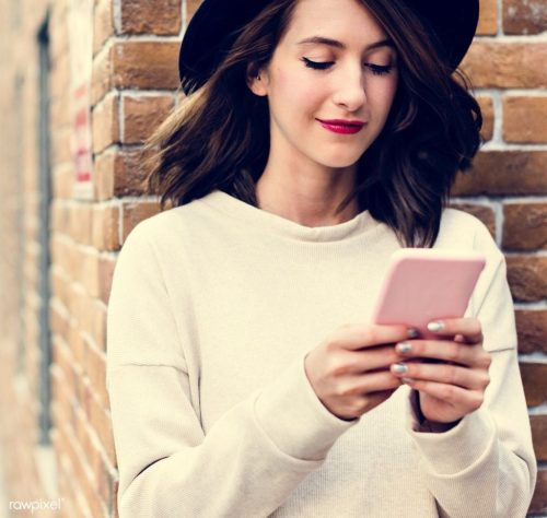 10 Ways To Improve Your Online Dating Profile For More Right Swipes