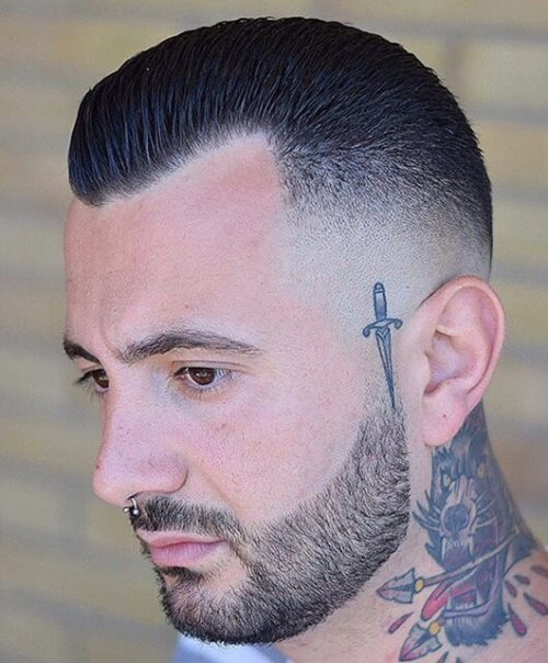 What to wear for a men haircut?