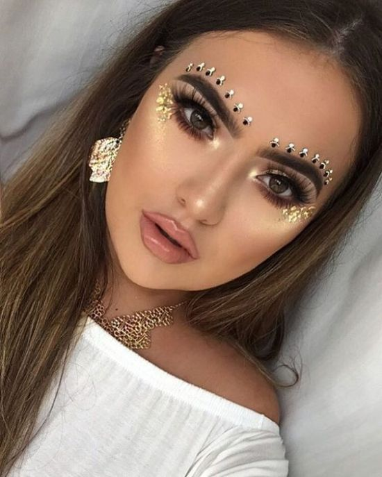 18 Coachella Makeup Ideas That You Ll Be Obsessed With Society19